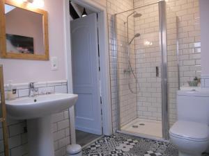 tweepersoonskamer  (+kind) met eigen badkamer